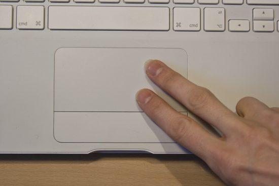 Rechte Maustaste Touchpad